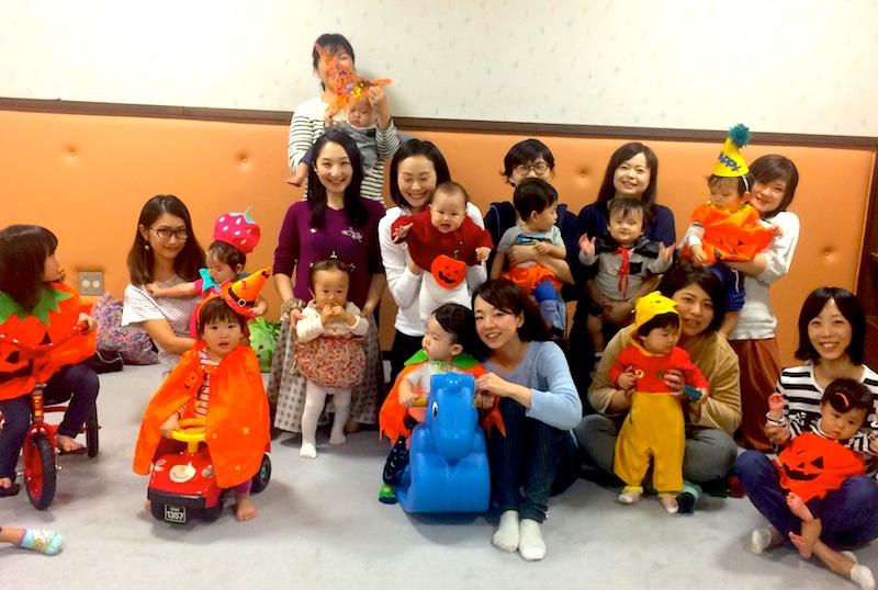 昨年10月恵比寿社会教育館にて、エビママシェアディナー、子どもたちはハロウィンの仮装